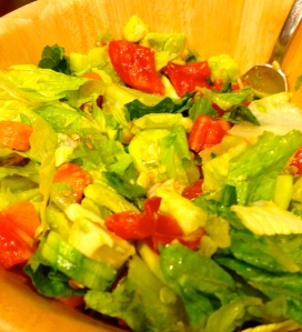 I served my lemon cod with a colorful salad (lettuce, tomato, cucumber, avocado, carrots and lemon juice)