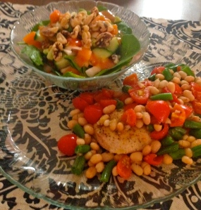 I served mine with a side salad of spinach, bell pepper, tomato, cucumber, avocado and a handful of walnuts!